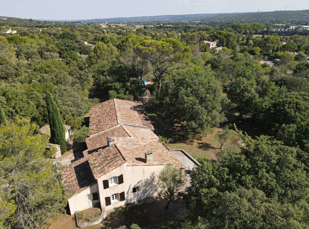 Exceptionnal 4 bedroom property, 3 km from the historic center of Uzès