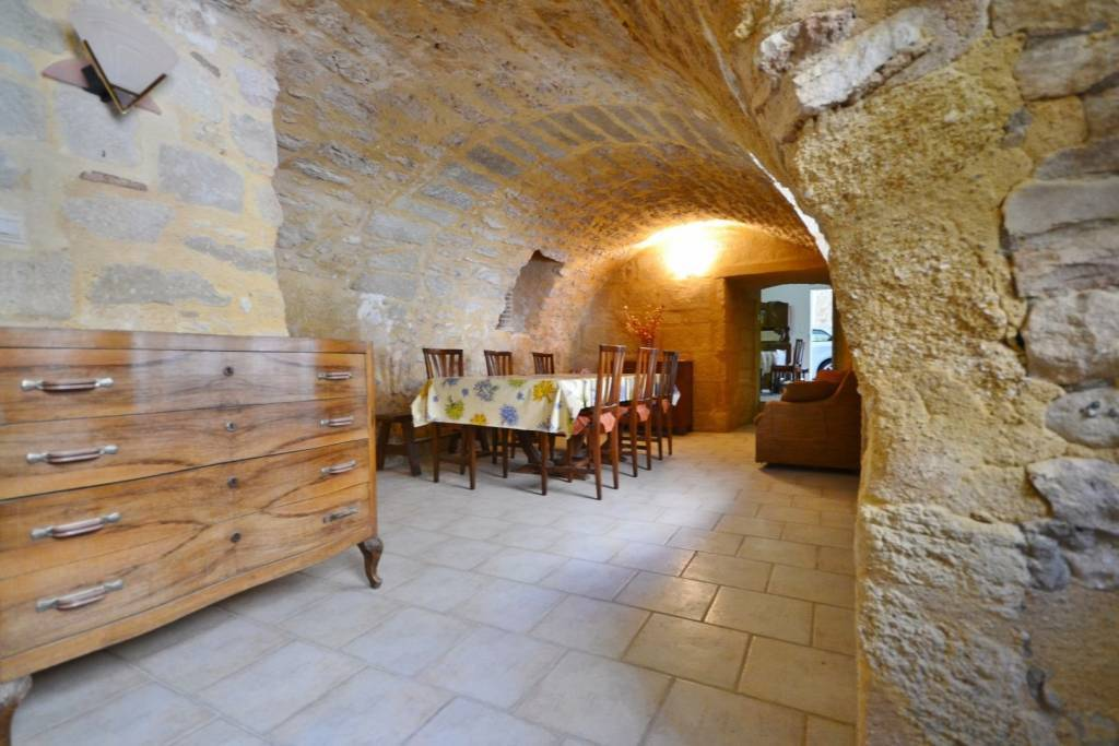 Sale Village house Uzès