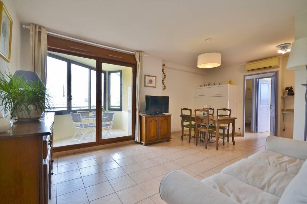 SOUS OFFRE - Apartment in the city center of Uzès