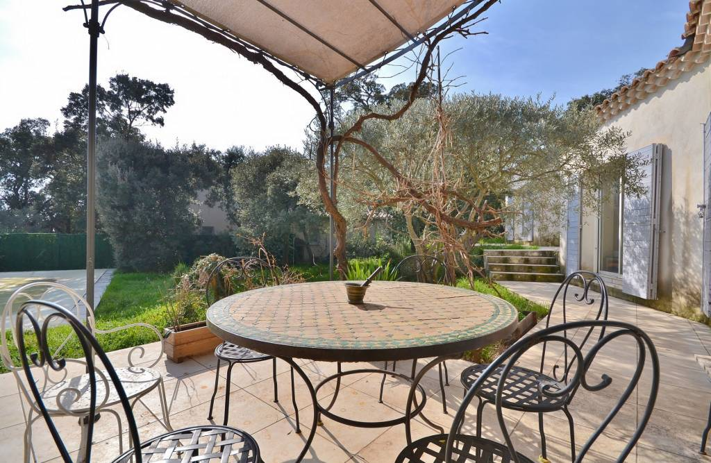 Single storey villa of 190 m² on the axis Uzès -Avignon