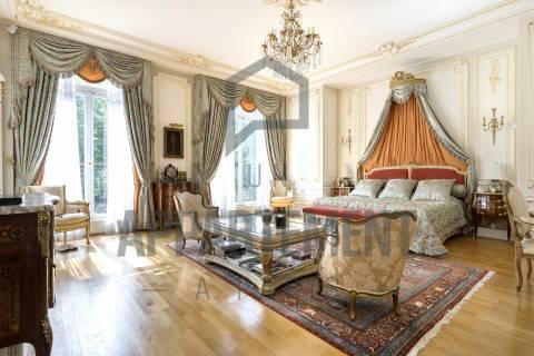 Bedroom Wooden floor Chandelier High ceiling