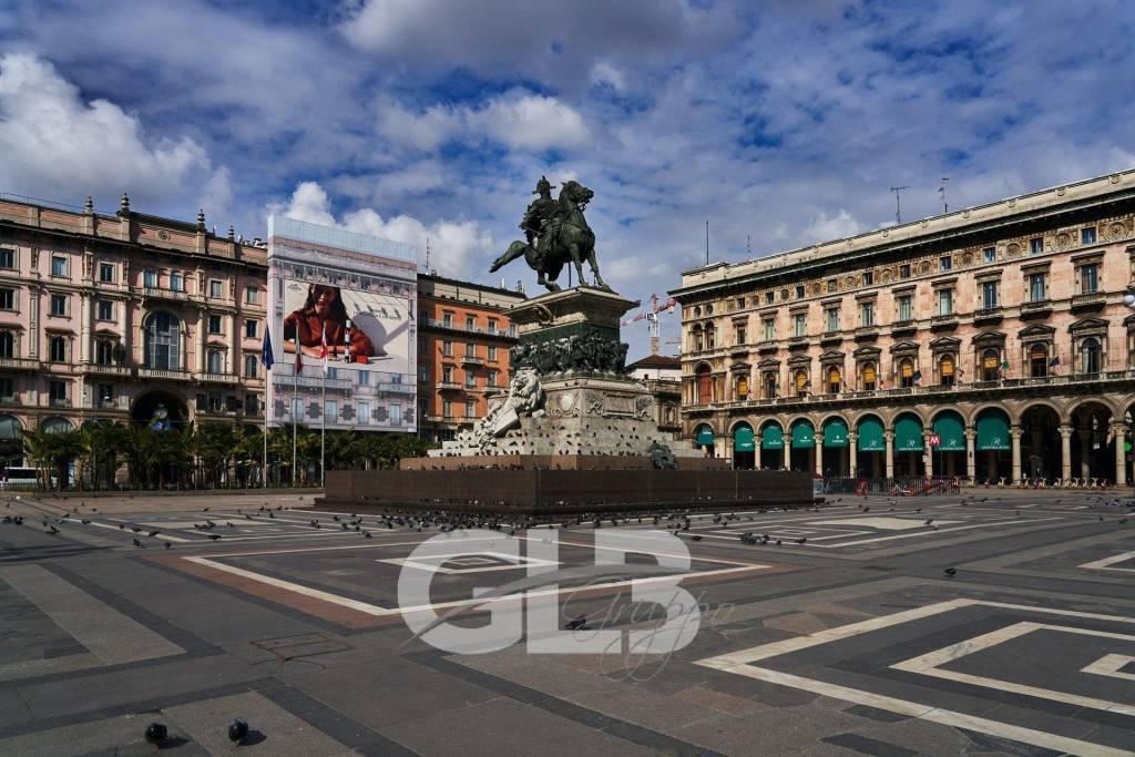 Adiacenze Duomo affittasi uffici mq. 1100