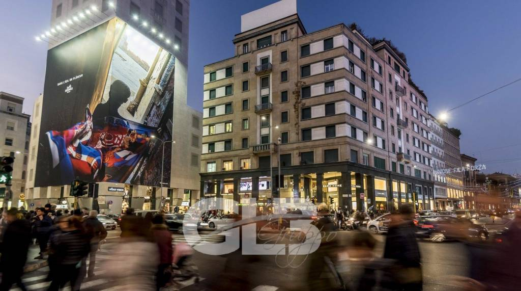 UFFICIO / SHOWROOM  MILANO - PIAZZA SAN BABILA 550 MQ