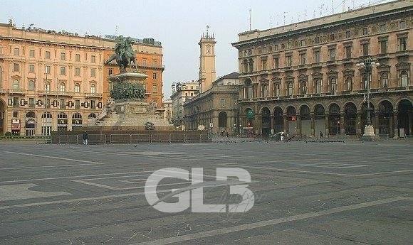 Adiacenze Piazza Duomo affittasi ufficio mq. 370