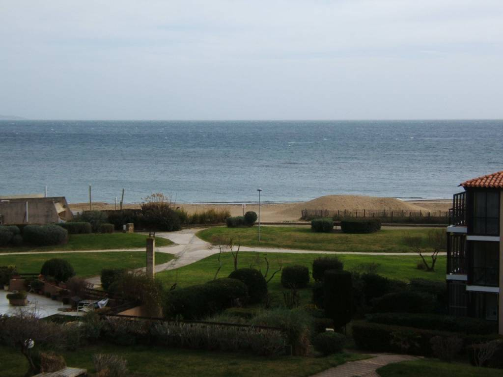 SOUS OFFRE Proche plage et port T2 plus mezzanine
