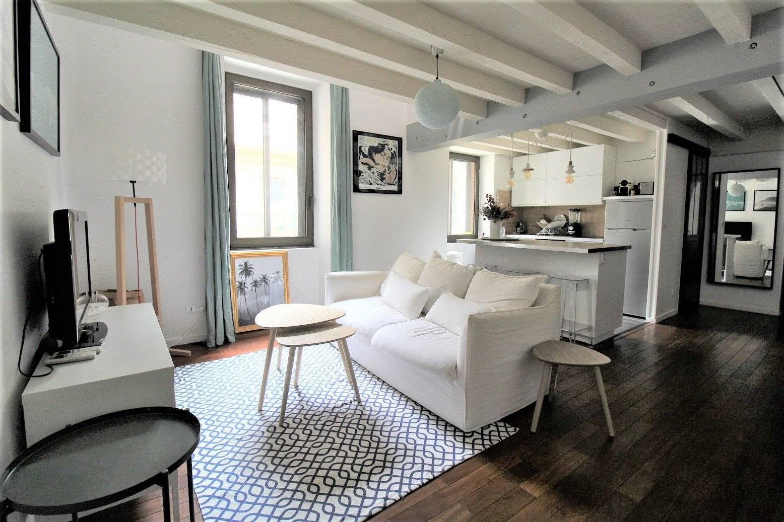 Living-room Wooden floor Kitchen bar