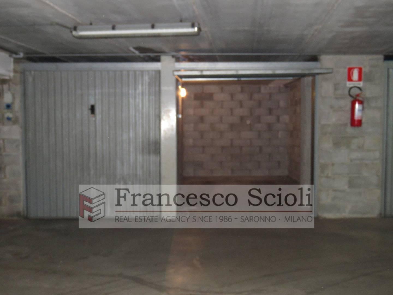 Box Auto Via Padre Paolo Reina, 13