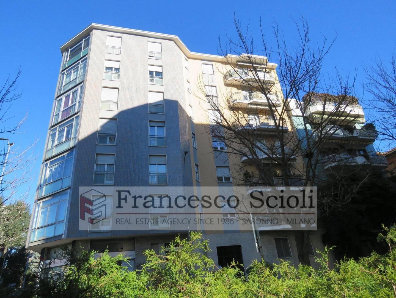 Condominio Via Tommaso Grossi, 11