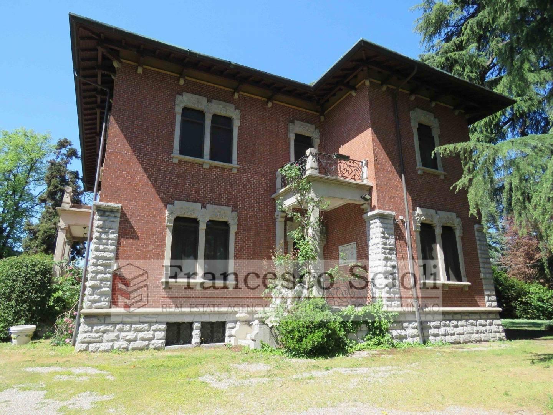 Villa Via Alessandro Manzoni, 14