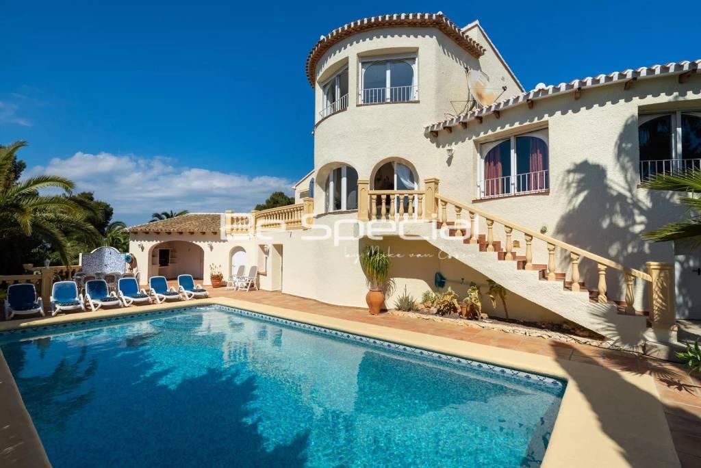 Classic and comfortable villa in Javea