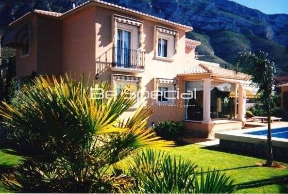 Nice Villa in Denia