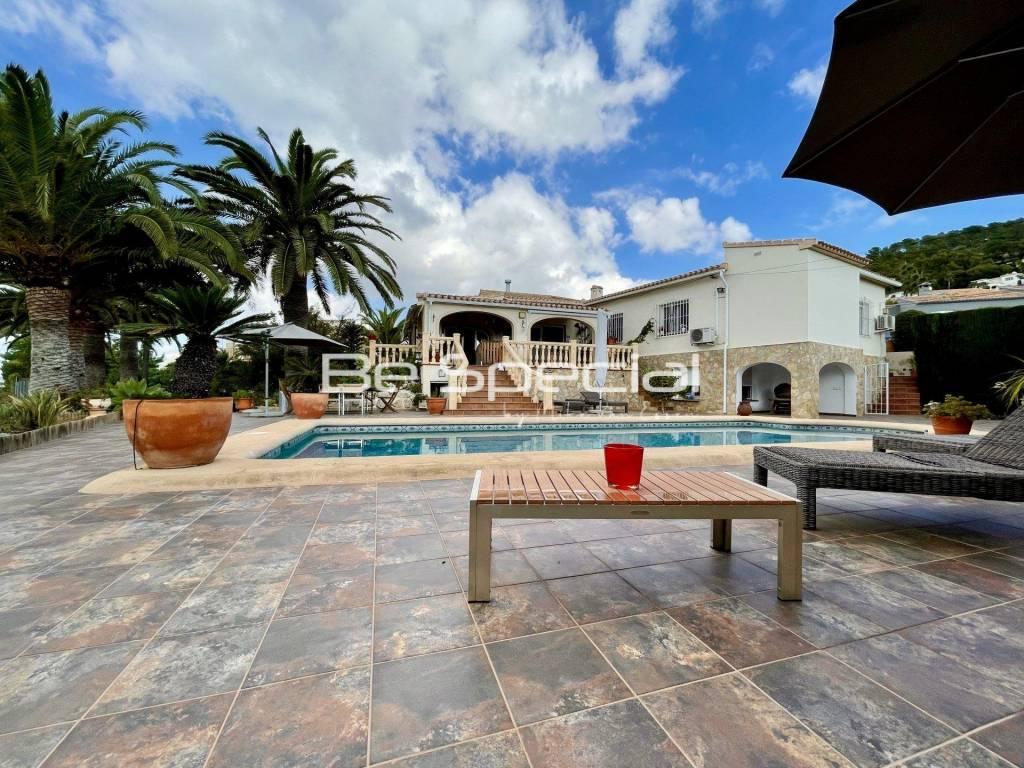 Nice 5 Bedroom Villa in Javea