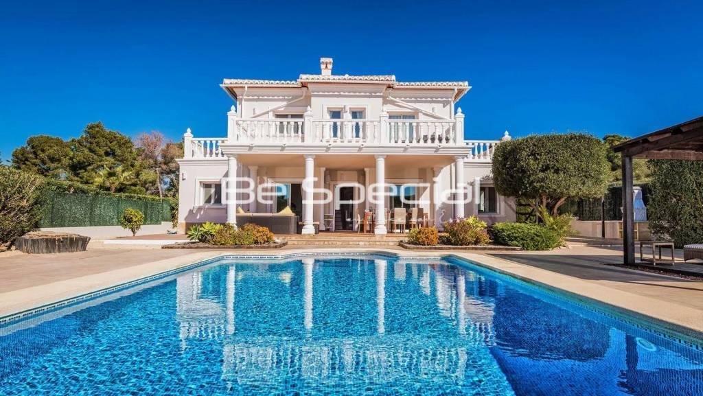 Beautiful and comfortable luxury villa