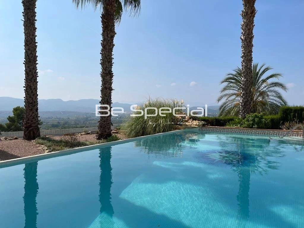 Fantastic open views for this immaculate villa