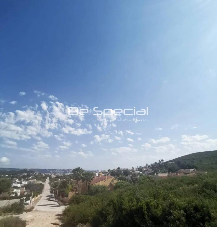 Fantastic plot with open views on Montgo and Sea