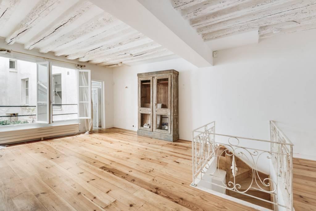Sale Apartment Paris 4th