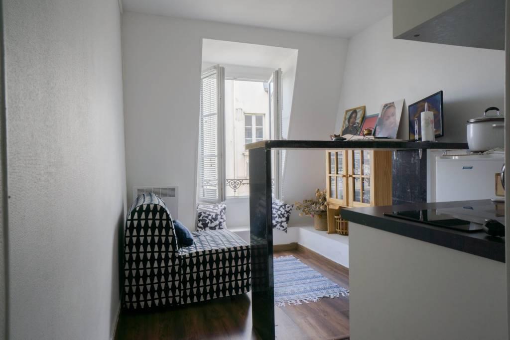 Sale Apartment Paris 10th Saint-Vincent-de-Paul
