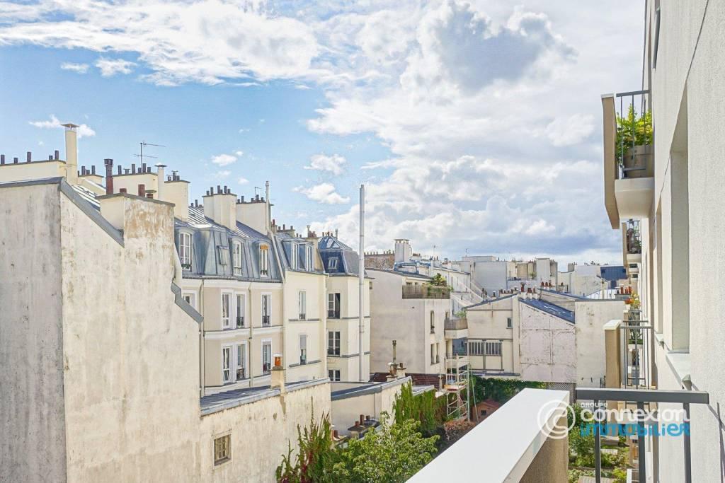 Sale Apartment Paris 11th