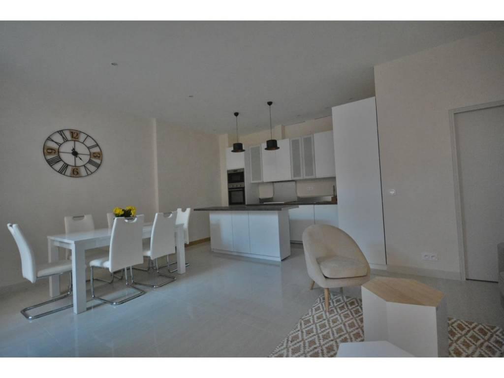 Appartement  3 Locali 68.79m2  In vendita   650000 €