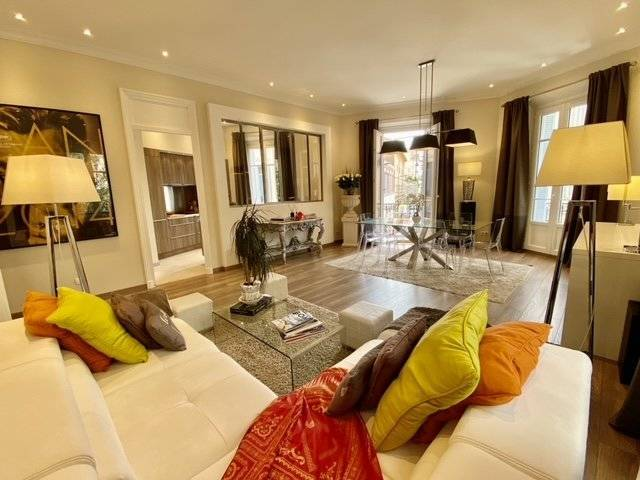 property_areas:2 property_flooring:1