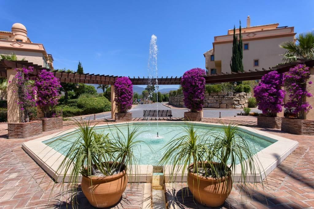 Bel appartement au rez-de-chaussée avec jardin privatif