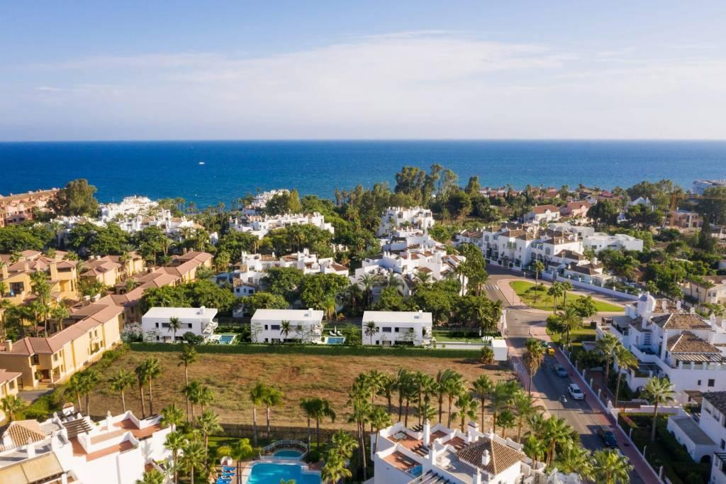 3 villas luxueuses dans un quartier privilégié
