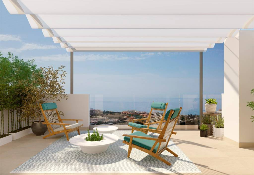 New construction / beautiful duplex with solarium with sea views in Benalmádena