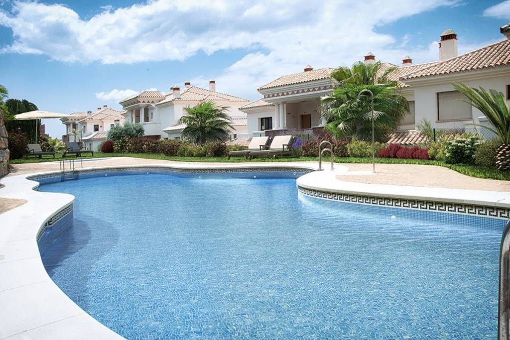 New project 3 Bedrooms - Casares costa -Available immediately