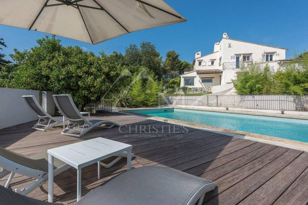 FOR SALE - SAINT-PAUL DE VENCE - FULLY RENOVATED VILLA