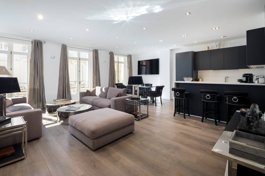 property_areas:2 property_flooring:1 general:7