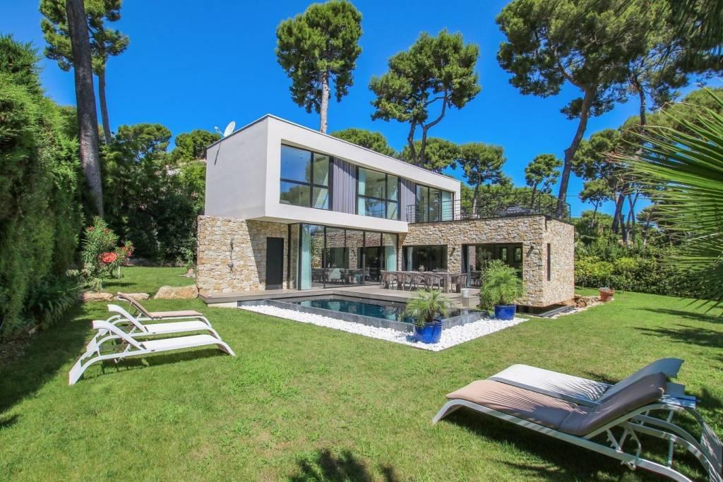 Contemporary Villa | Close to Garoupe Beach
