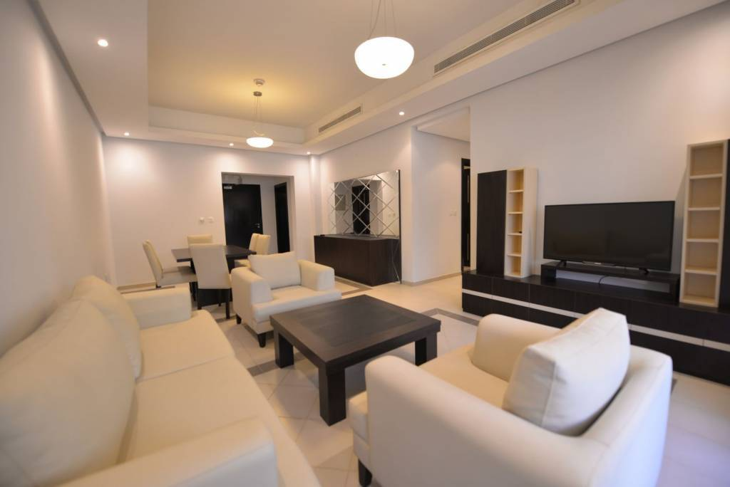 2 BR FURNISHED APARTMENT WITH 1 MONTH FREE