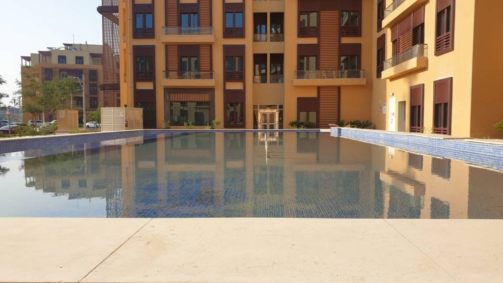 Luxurious Semi furnished 1-bedroom apartment