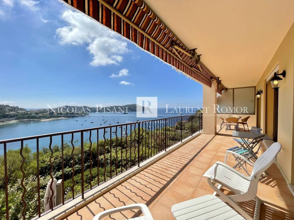 Duplex appartment terraces sea views swimming pool