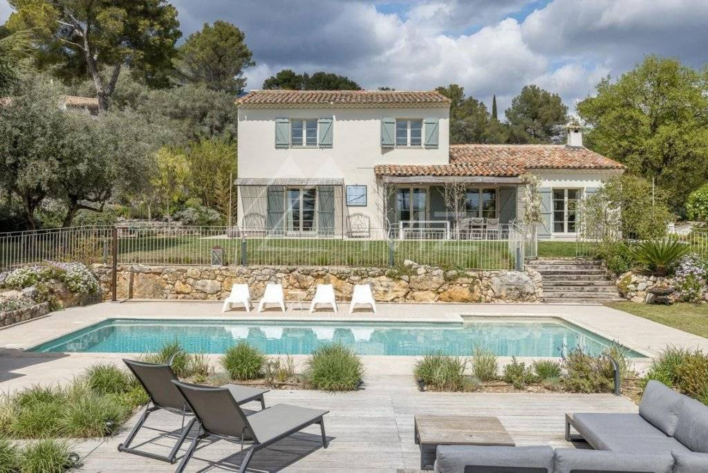 FOR SALE - CANNES BACKCOUNTRY - RAVISHING NEWLY RENOVATED PROVENCAL VILLA