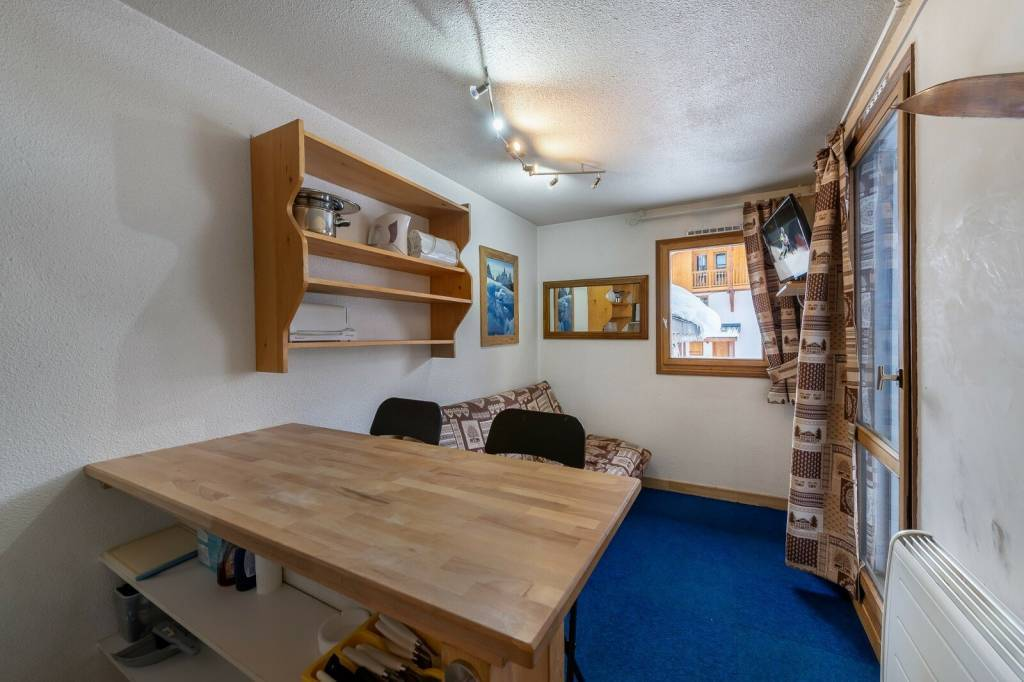 CHARMING APARTMENT IN THE CENTRE OF VAL THORENS