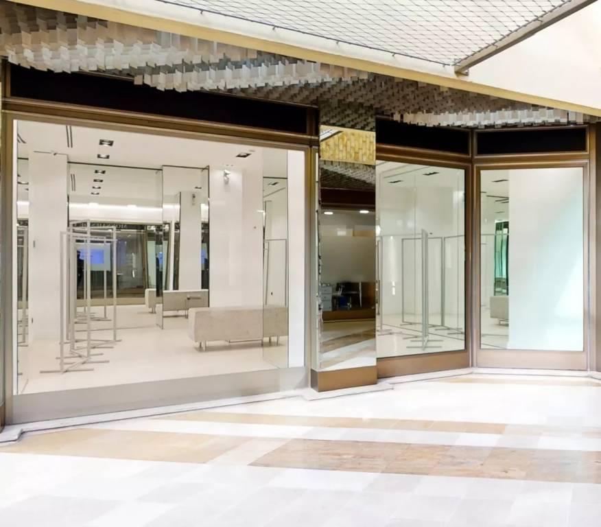 Exclusivité Carré D'Or - Boutique in the « Les Allées Lumières » Shopping Gallery