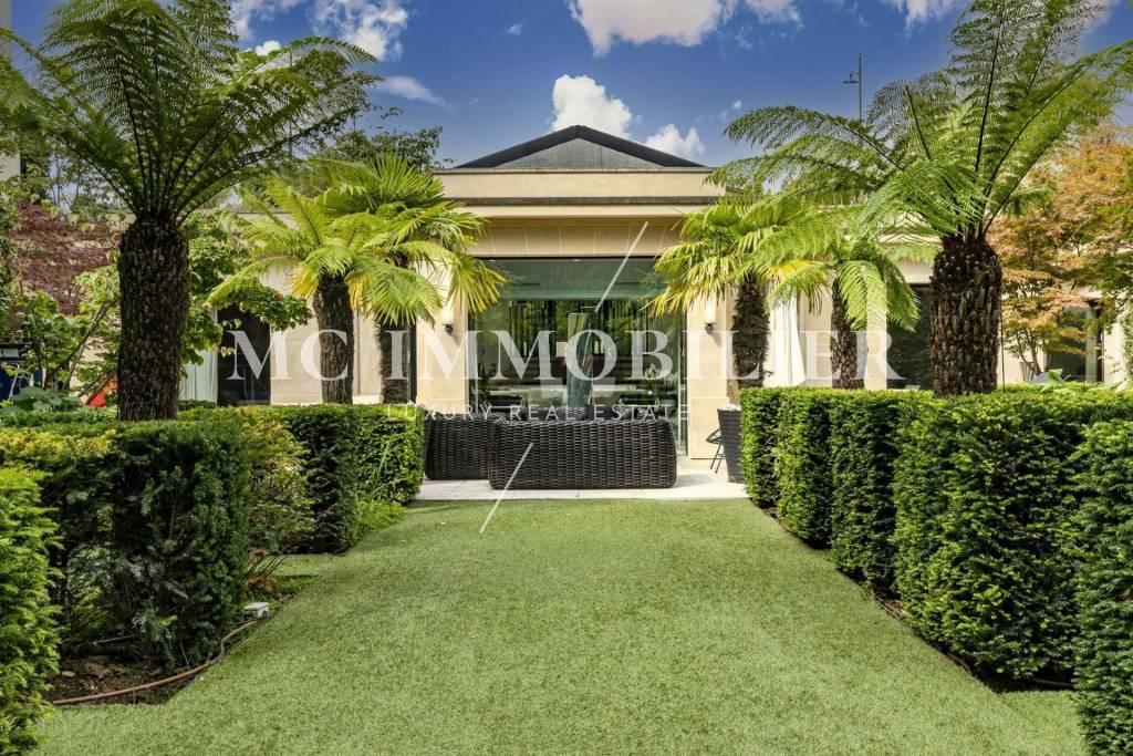 Maison d'architecte avec piscine, jardin et terrasses - 409m2 - Porte de La Muette - Paris 16e - 10,5m€