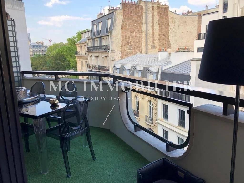 Appartement de 150m2 avec terrasse - Paris 16ÈME