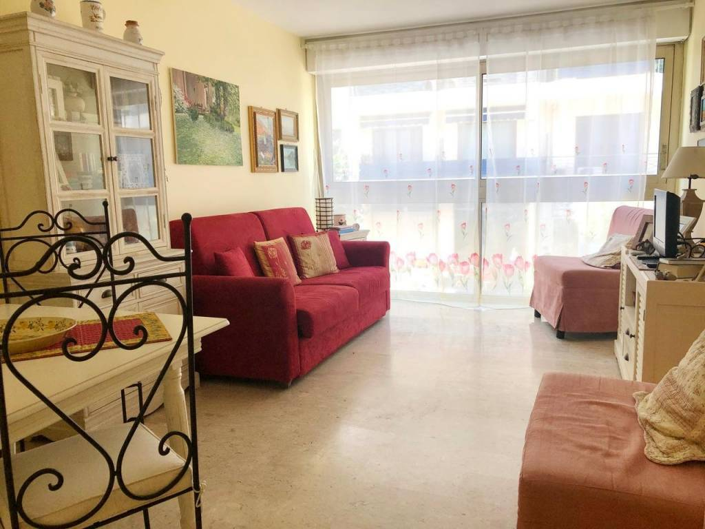 Appartement  1 Rooms 23.9m2  for sale   178000 €