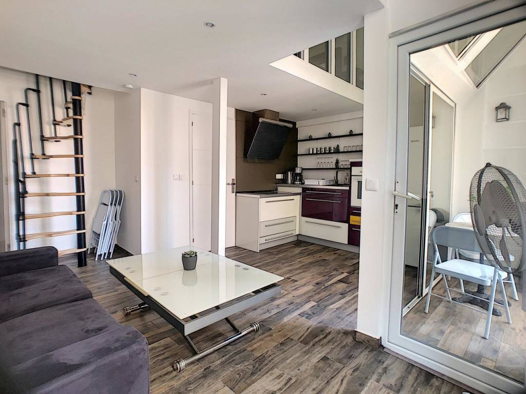 Appartement  3 Rooms 43m2  for sale   295000 €