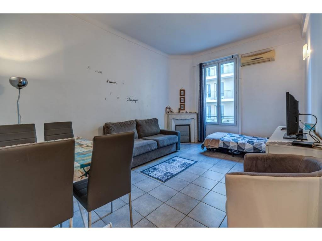 Appartement  2 Rooms 41.14m2  for sale   220 000 €
