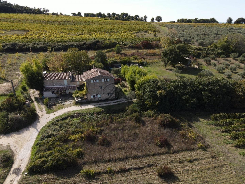 1 30 La Motte-d'Aigues