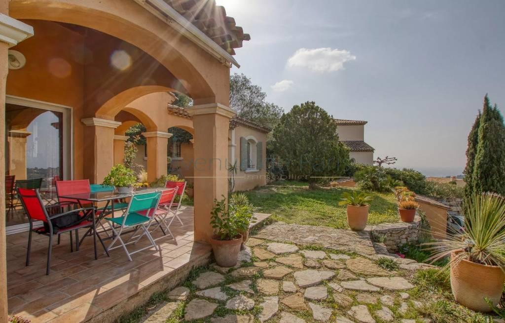 Charmante Villa dans Domaine privé