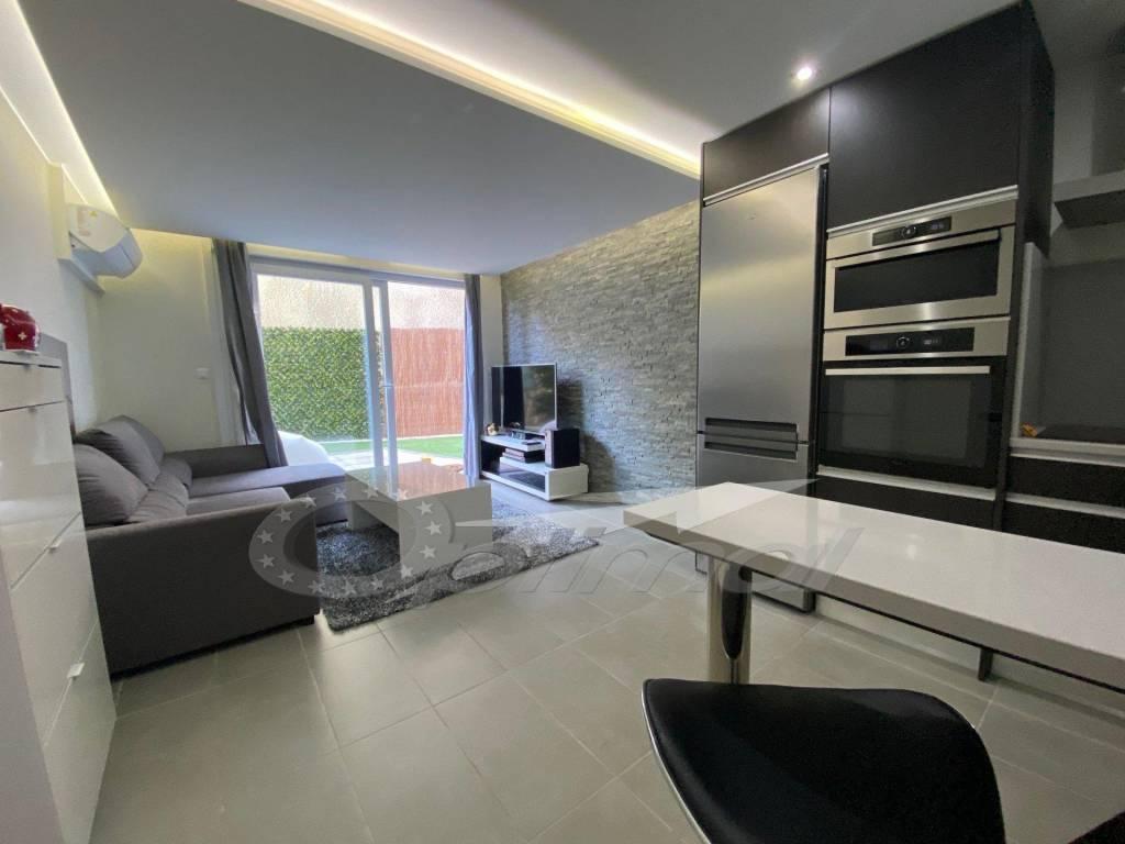 Sale Apartment Roquebrune-Cap-Martin Vallée-Gorbio
