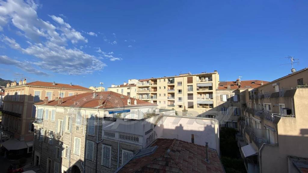 3 ROOMS 52M² CHIN CENTER