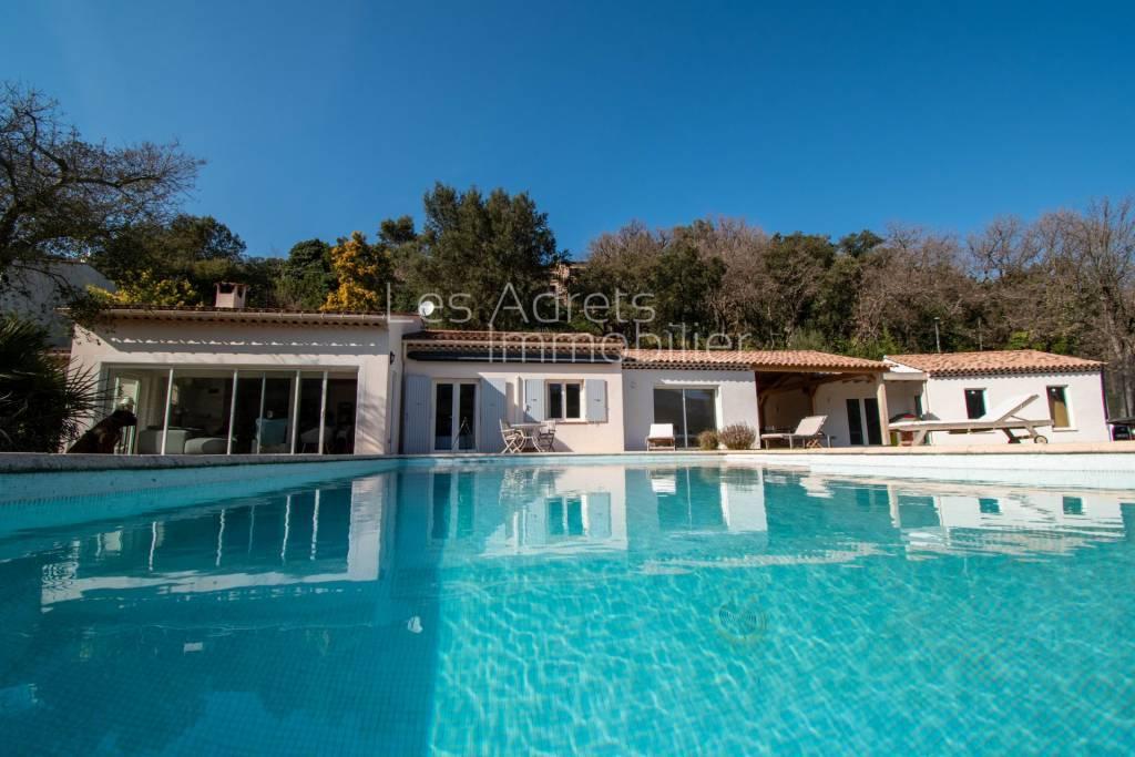 Villa moderne 163 m² hab + 100 m² d'annexes - Vue dégagée