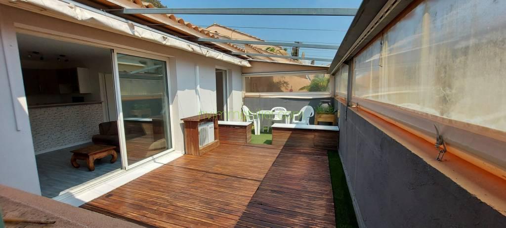 3P duplex dernier étage toit terrasse couverte de 23m2 sud est