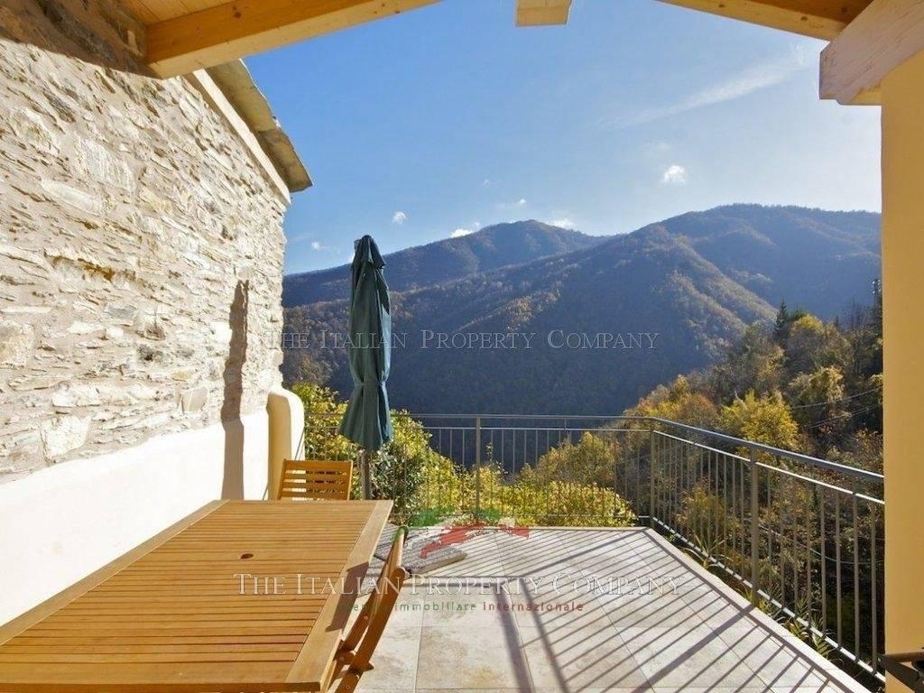 Sale Village house Rezzo
