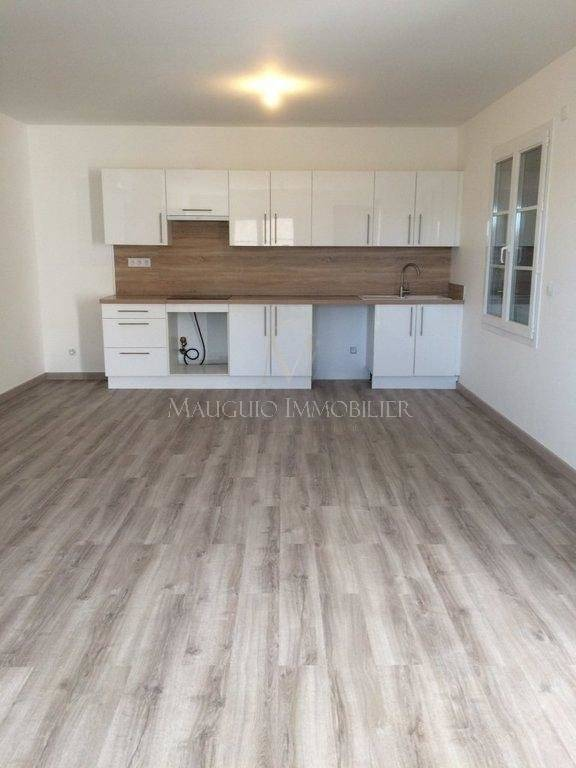 Kitchen Wooden floor